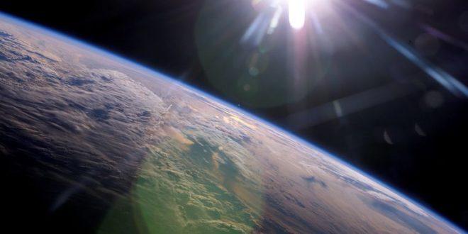La inteligencia artificial descubre que la tierra gira alrededor del sol