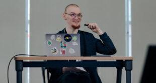 Informático con parálisis cerebral crea un programa gratuito que permite hablar con la mirada
